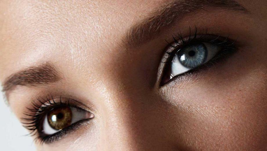 Twee verschillende kleuren ogen, hoe kan dit?