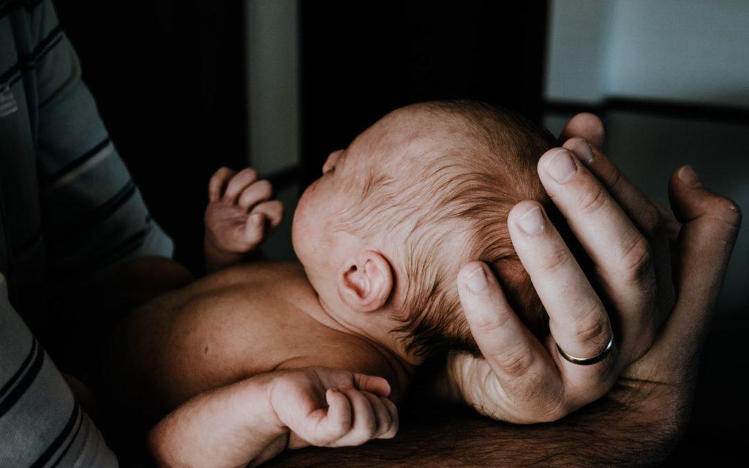 Vaderschap, carrière en geboorteverlof – een interview met papa Michiel